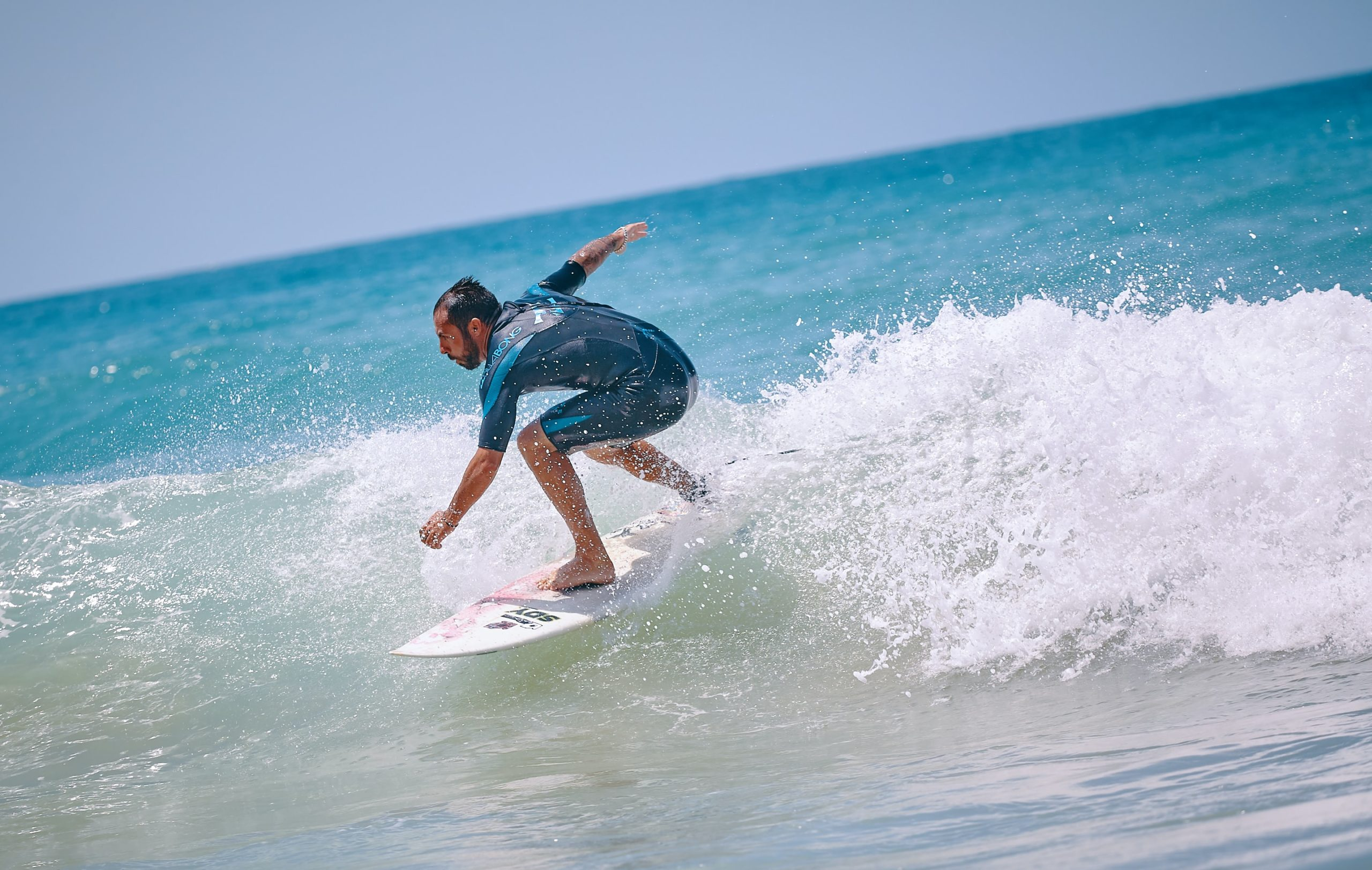 Surfing And Surfboard Tips For Beginners